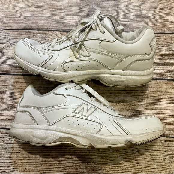 NEW BALANCE White 405 Sneakers